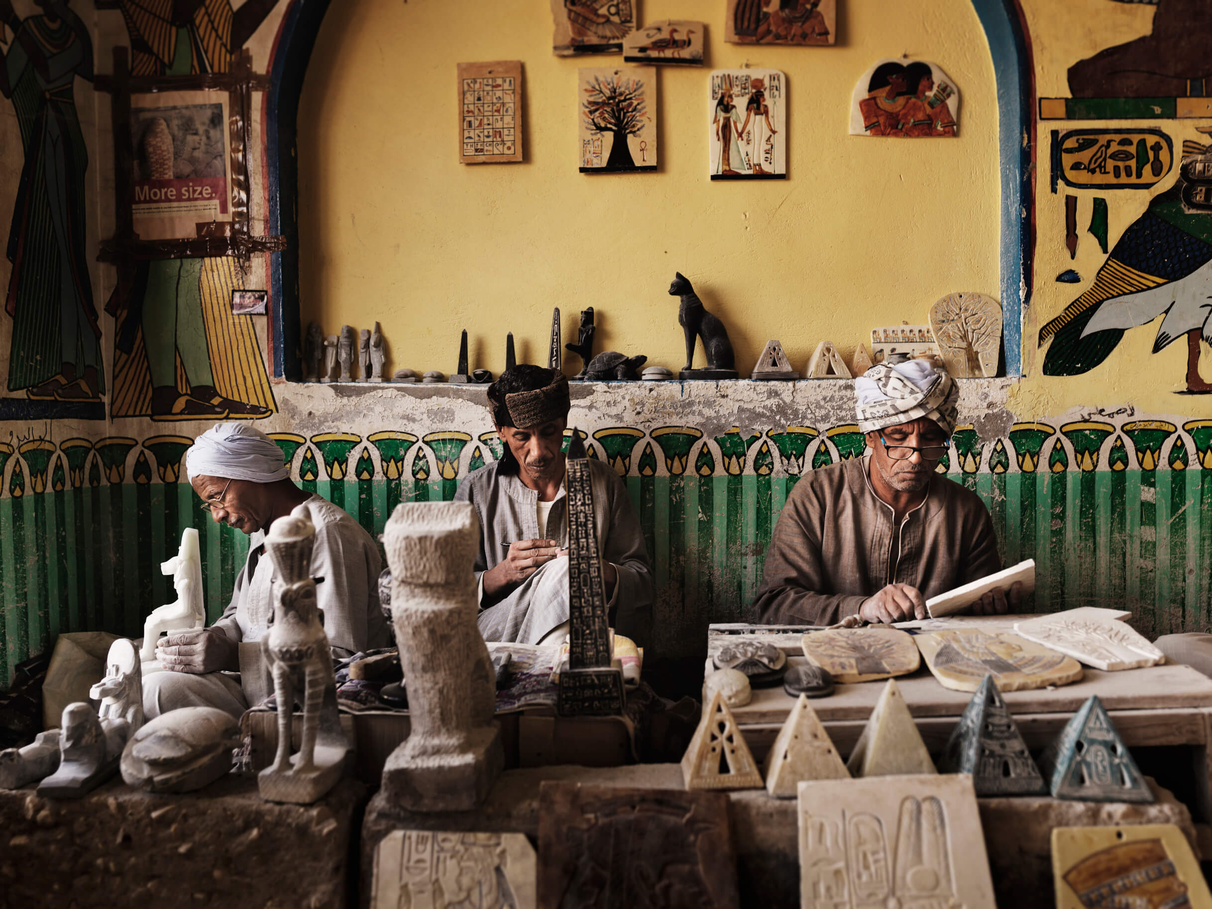 Luxor_Stone_Workers_Egypt_0011
